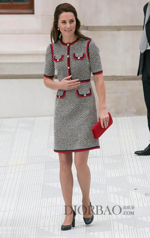 杨幂穿Gucci花呢连衣裙 凯特王妃也看上了