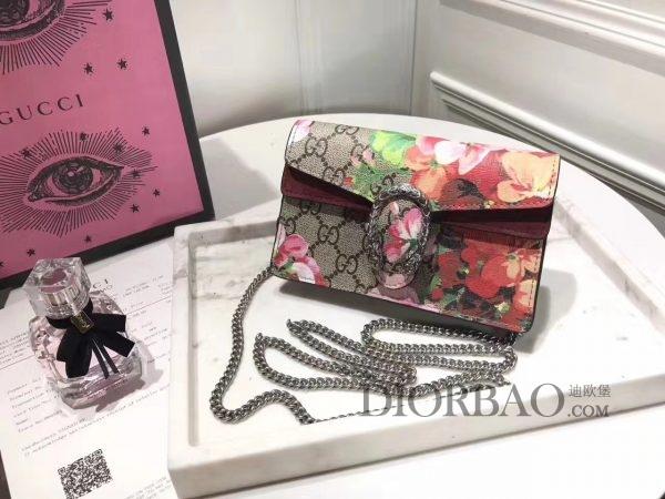 款式欣赏 款式设计 外观与细节 天竺葵印花Mini Gucci酒神包 链条包