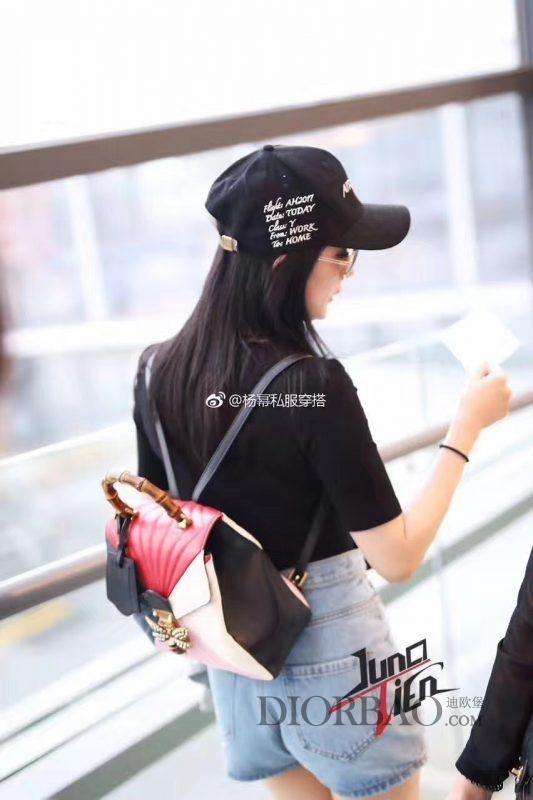 时尚辣妈杨幂街拍 搭配gucci玛格丽特皇后系列双肩包